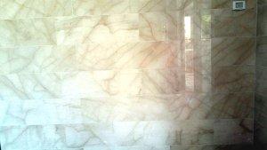 שיש רפאל לחיפוי קירות לובי - מבט מקרוב