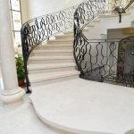 חיפוי שיש מדרגות - מבט לכיוון העליה